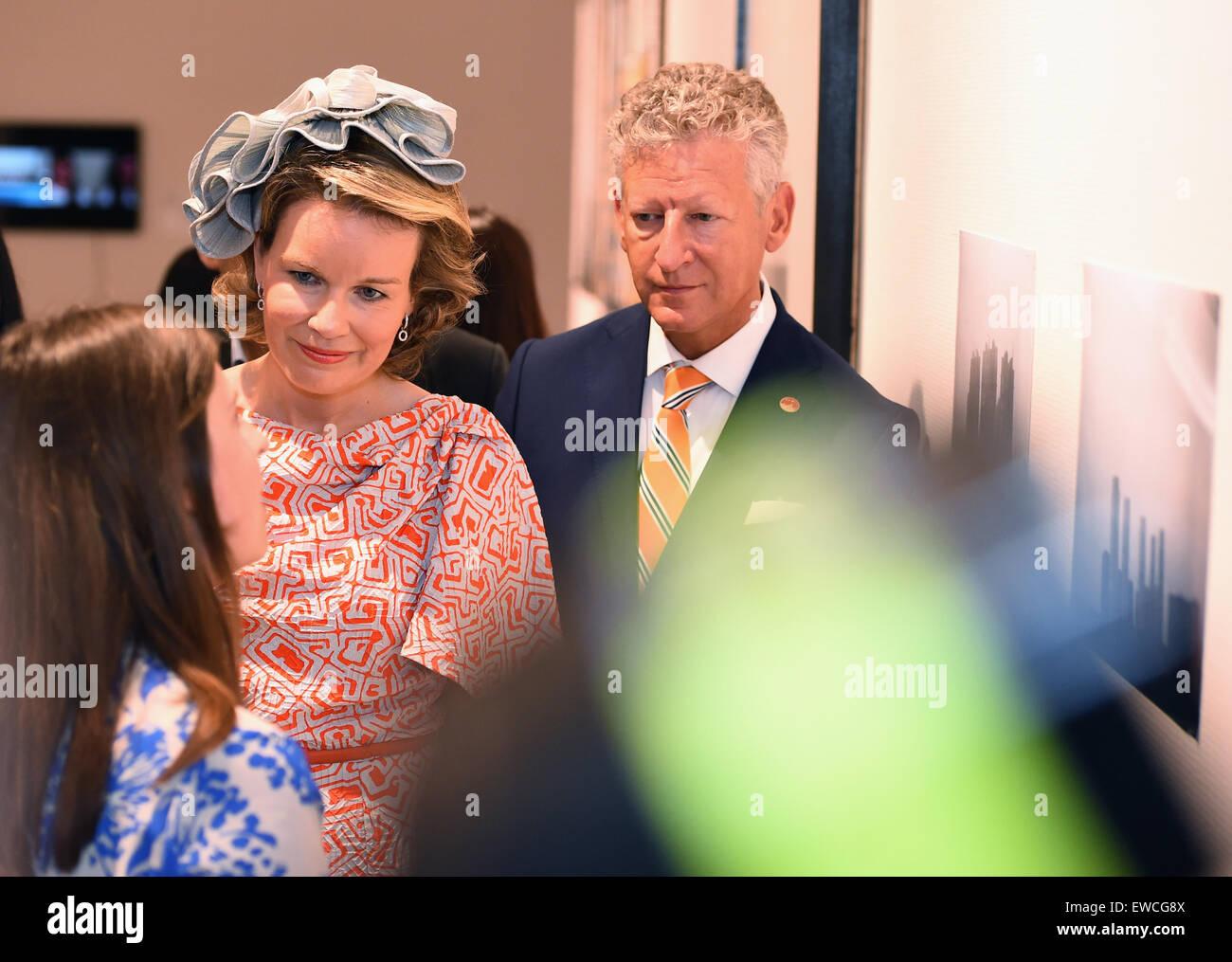 Wuhan, Hubei, China. 22nd June, 2015. Queen Mathilde of the Belgians visits Hubei Museum of Art in Wuhan Hubei Province. - Stock Image