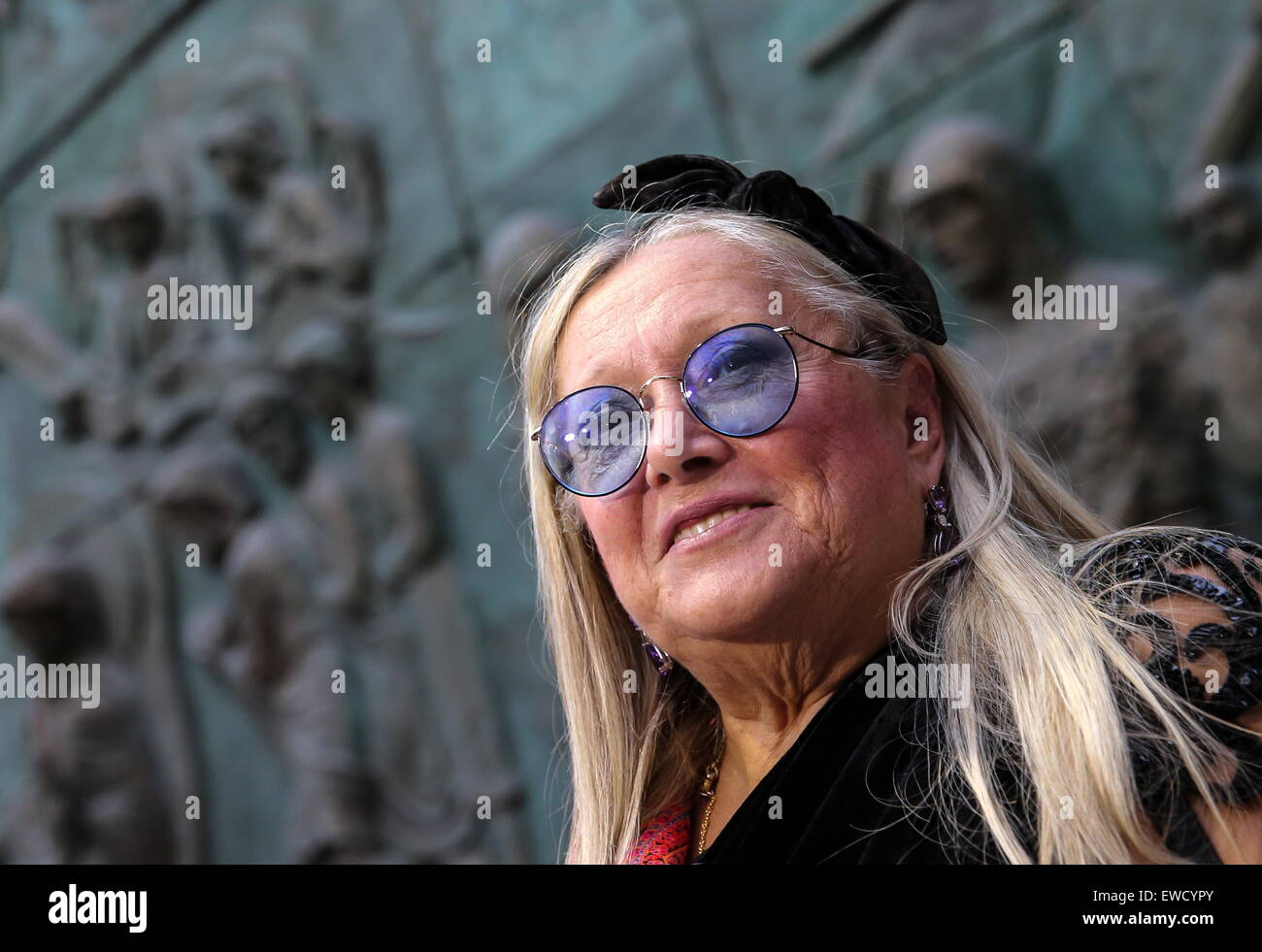 Appearance of Nikita Mikhalkov's wife was spoiled by plastic surgeons 31.03.2010 76