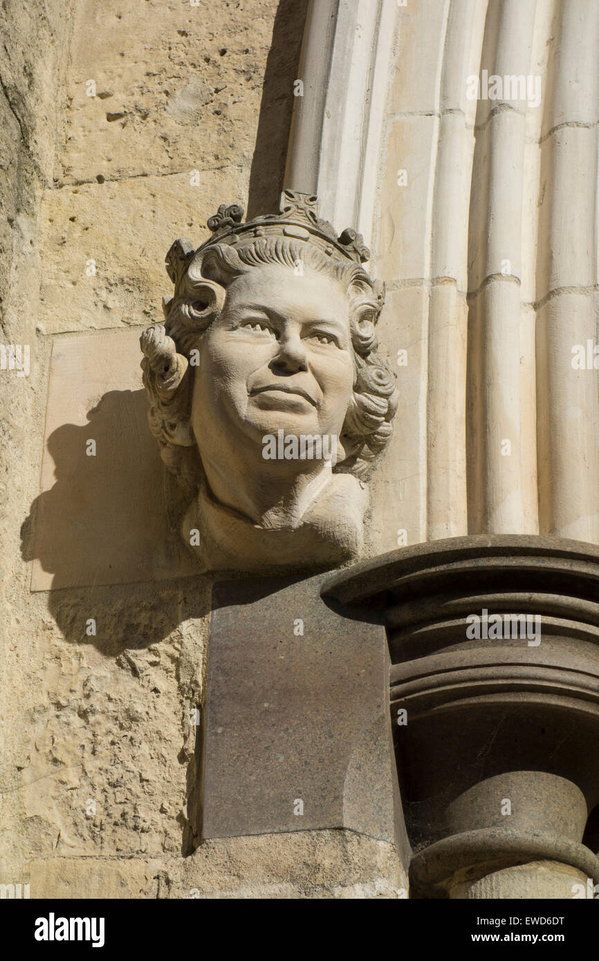 Sculpture of Queen Elizabeth II on the portal of the  Cathedral of the Holy Trinity, Chichester England. Stock Photo