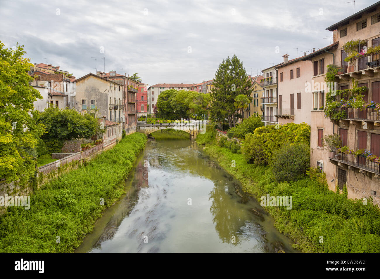 Vicenza (Italy) - View of the Retrone river and San Paolo bridge - Stock Image