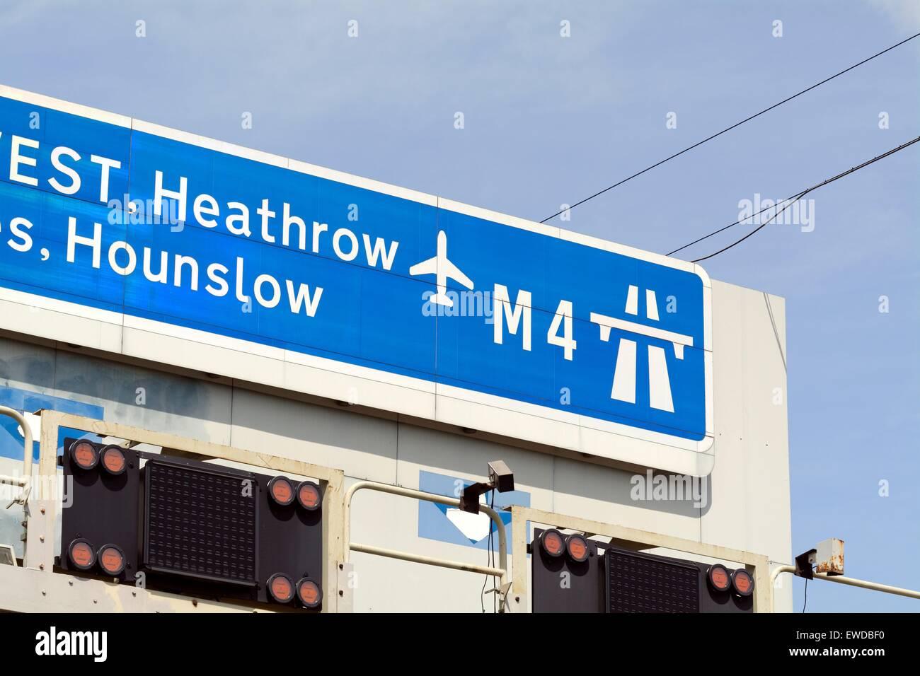 Overhead M4 motorway sign to Heathrow - Stock Image