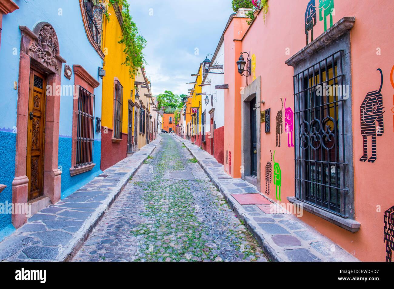 Street view in san miguel de allende mexico stock photo 84506947 alamy - Location de vacances san miguel mexique ...