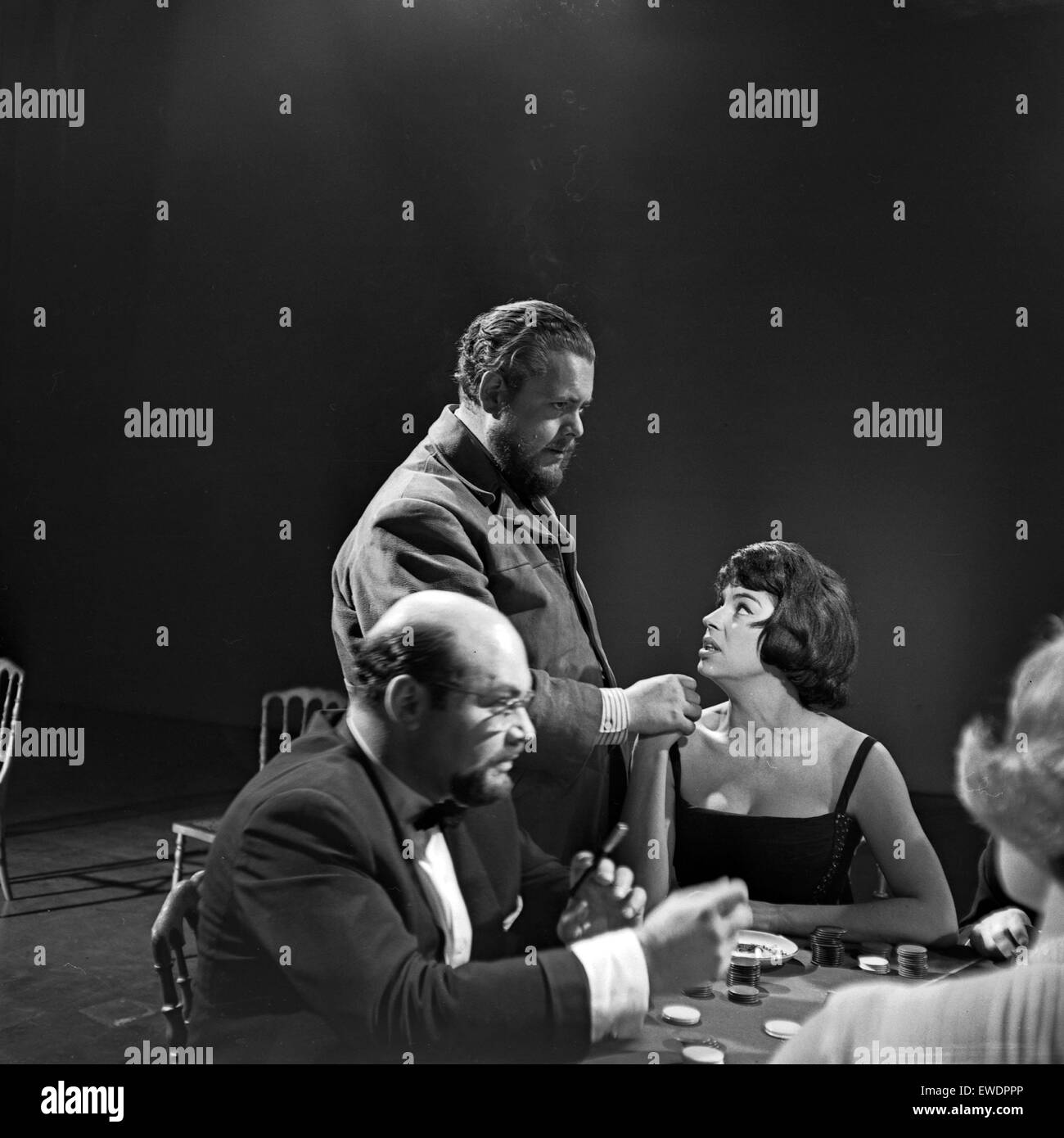 Kleine Stunde für M, Musiksendung, Deutschland 1964, Mitwirkende bei einer Spielszene im Casino - Stock Image
