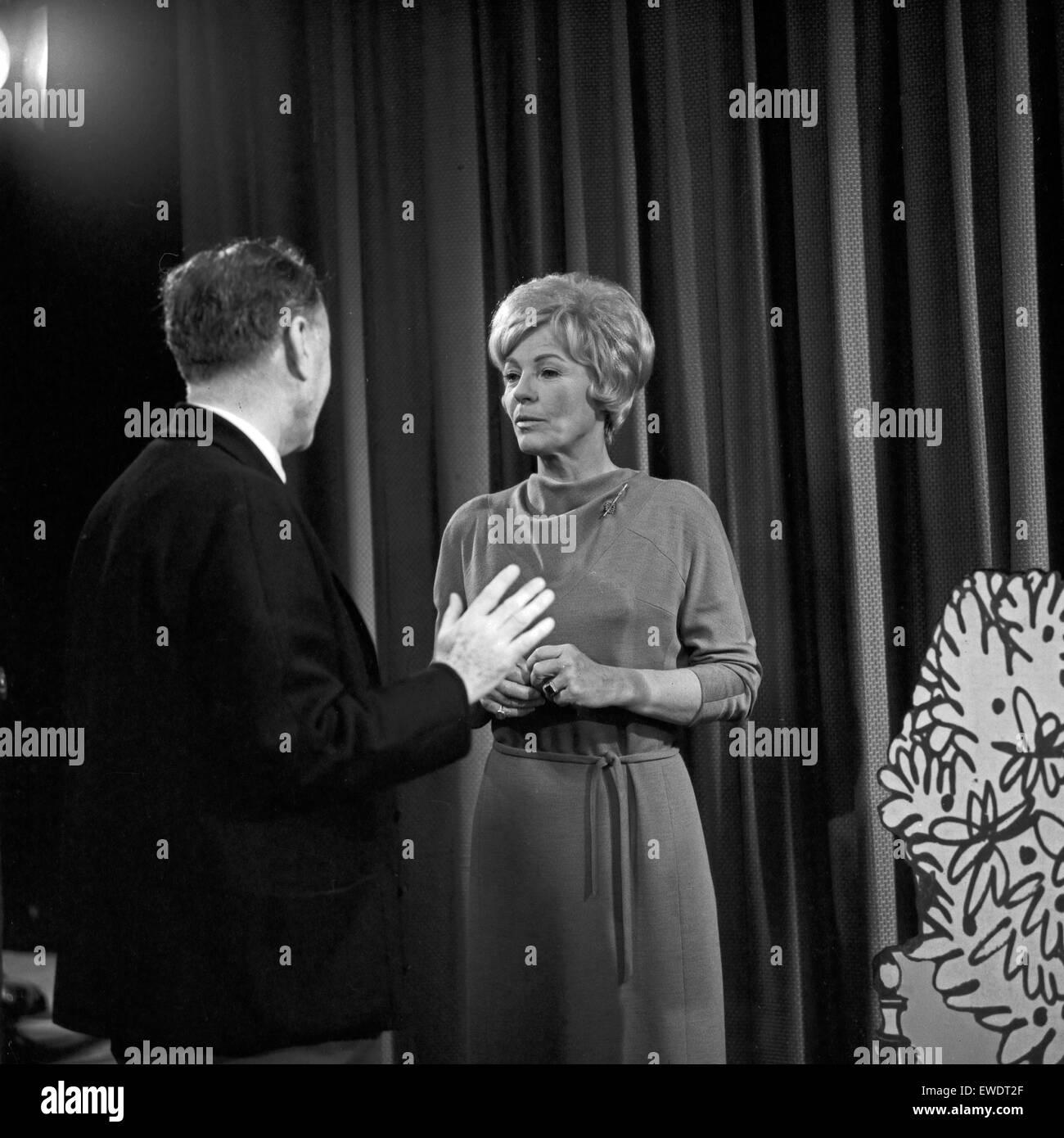 Frau denkt, Fernsehfilm, Deutschland 1966, Szenenfoto Stock Photo