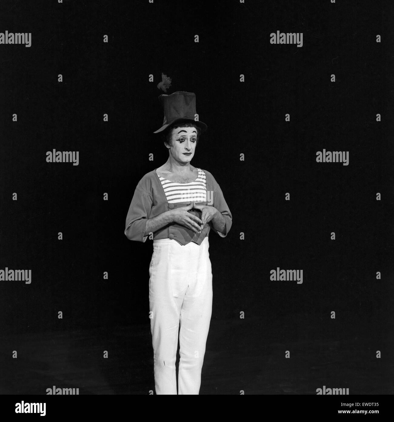 Französischer Pantomime Marcel Marceau in Hamburg, Deutschland 1960er Jahre. French pantomime Marcel Marceau - Stock Image