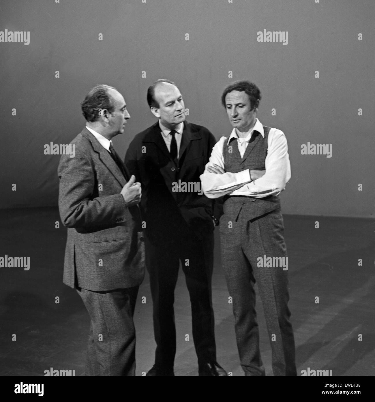 Französischer Pantomime Marcel Marceau mit Regisseur Ruprecht Essberger  in Hamburg, Deutschland 1960er Jahre. - Stock Image