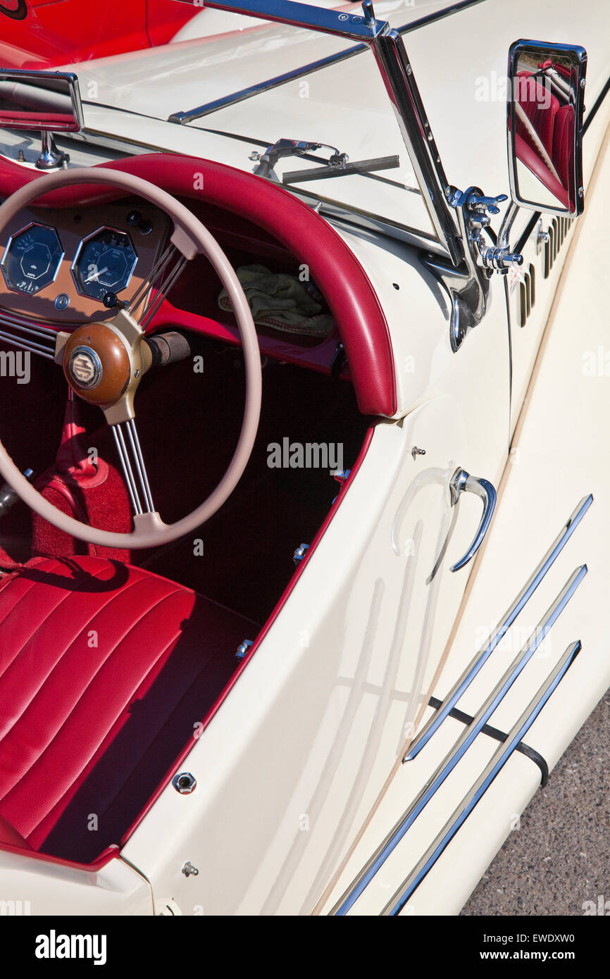 Detail of MG TF 1500 in Old English white with red leather interior - Stock Image