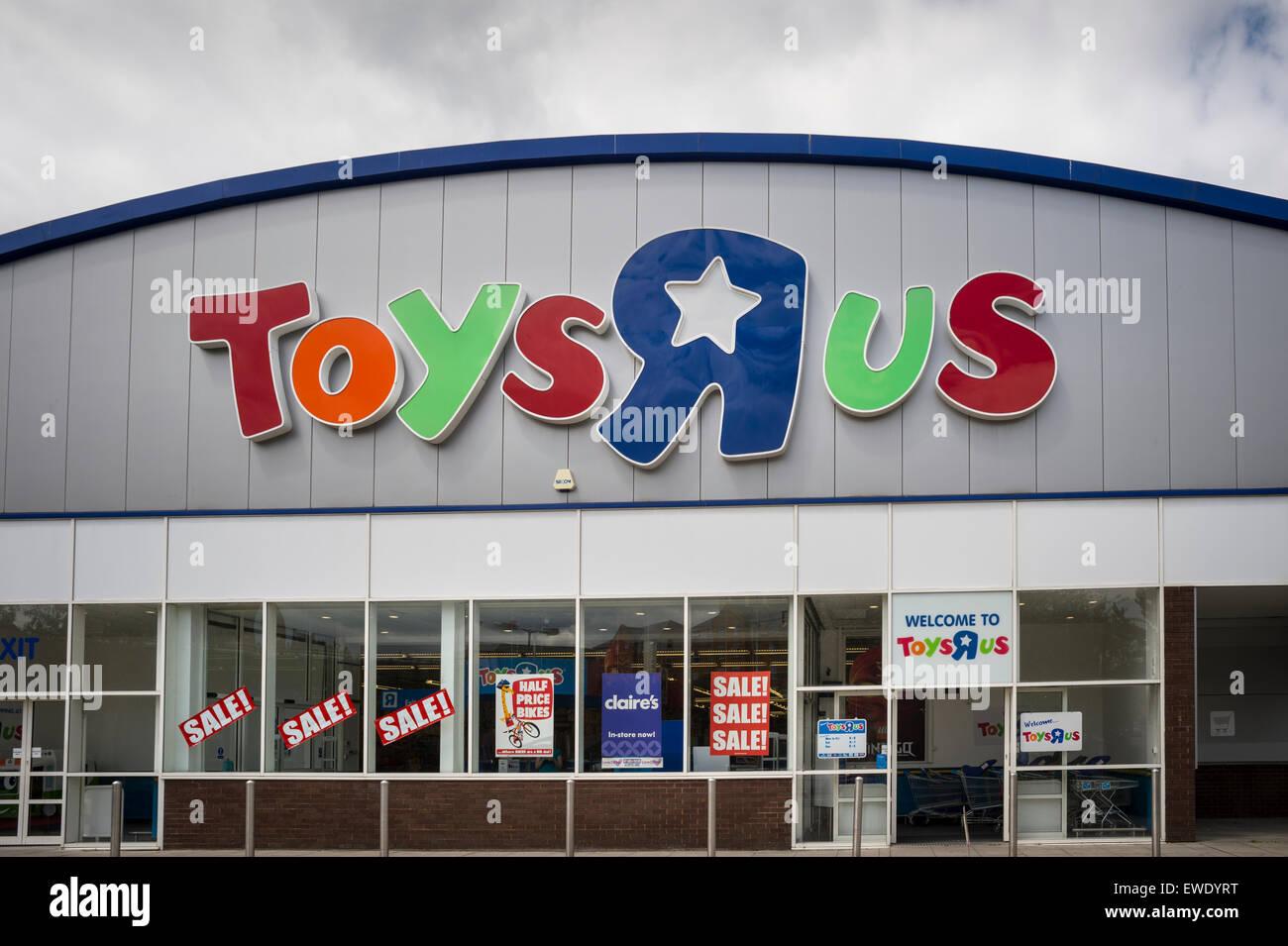 Toys R Us Store In Southampton Uk Stock Photo 84515084 Alamy