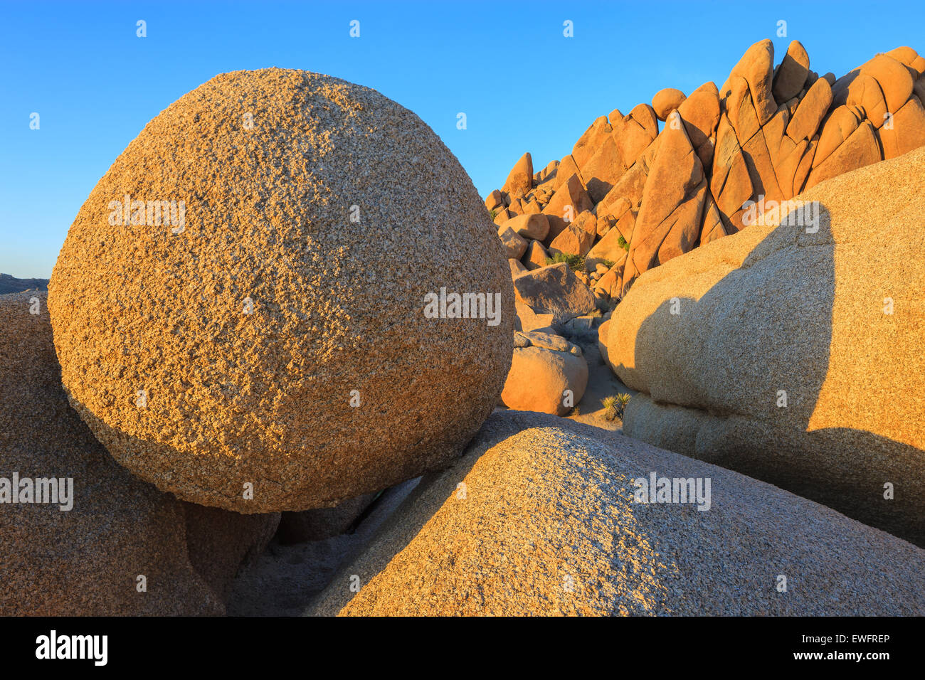 Jumbo Rocks in Joshua Tree National Park, California, USA. - Stock Image