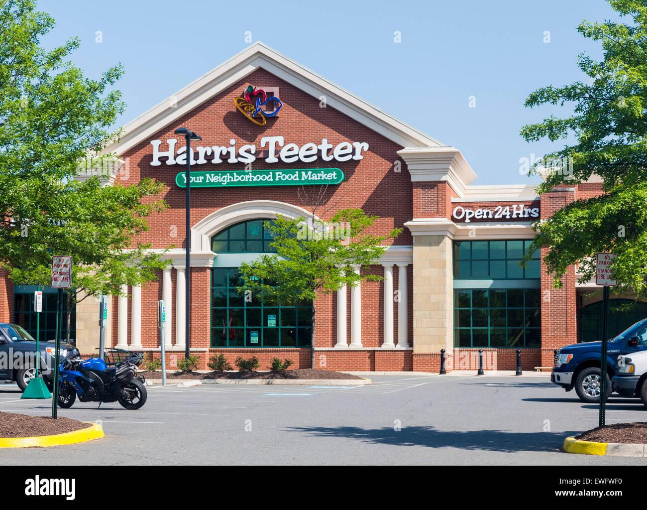 Harris Teeter food supermarket in Gainesville, Virginia, USA - Stock Image