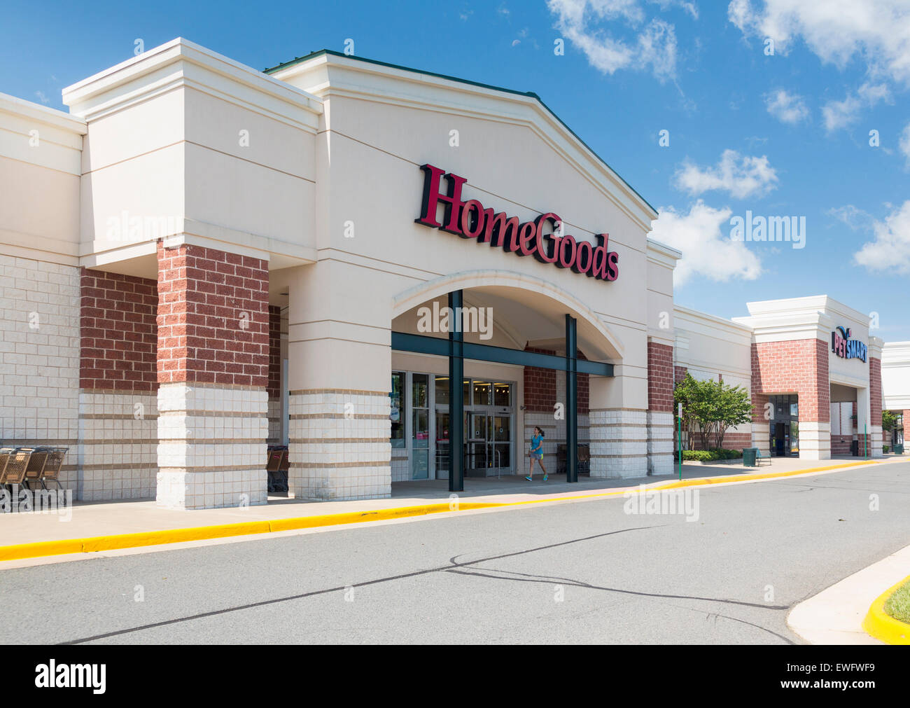 HomeGoods Furniture Store In Gainesville, Virginia, USA