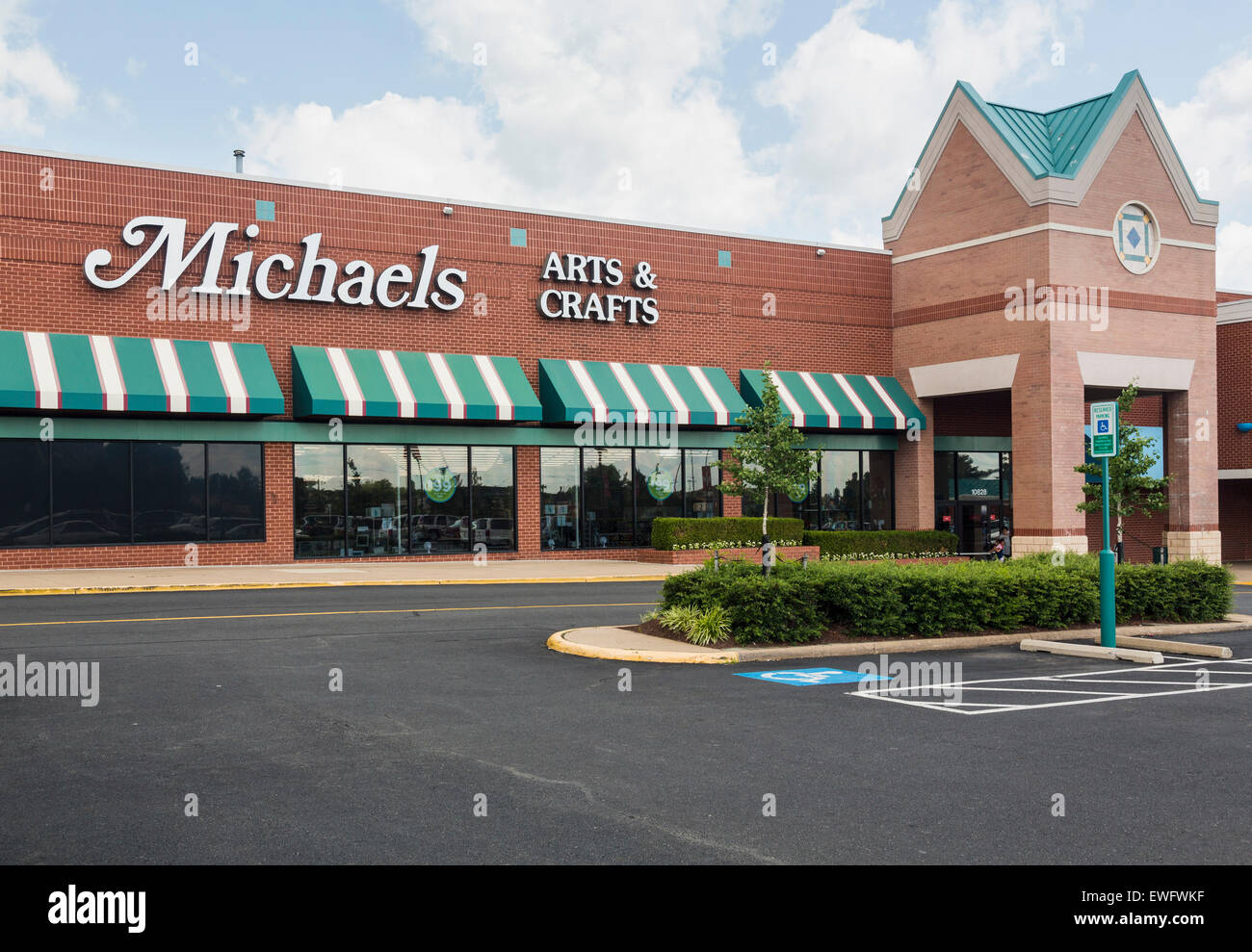 Entrance to large Michaels arts and crafts store in Manassas, Virginia, USA - Stock Image
