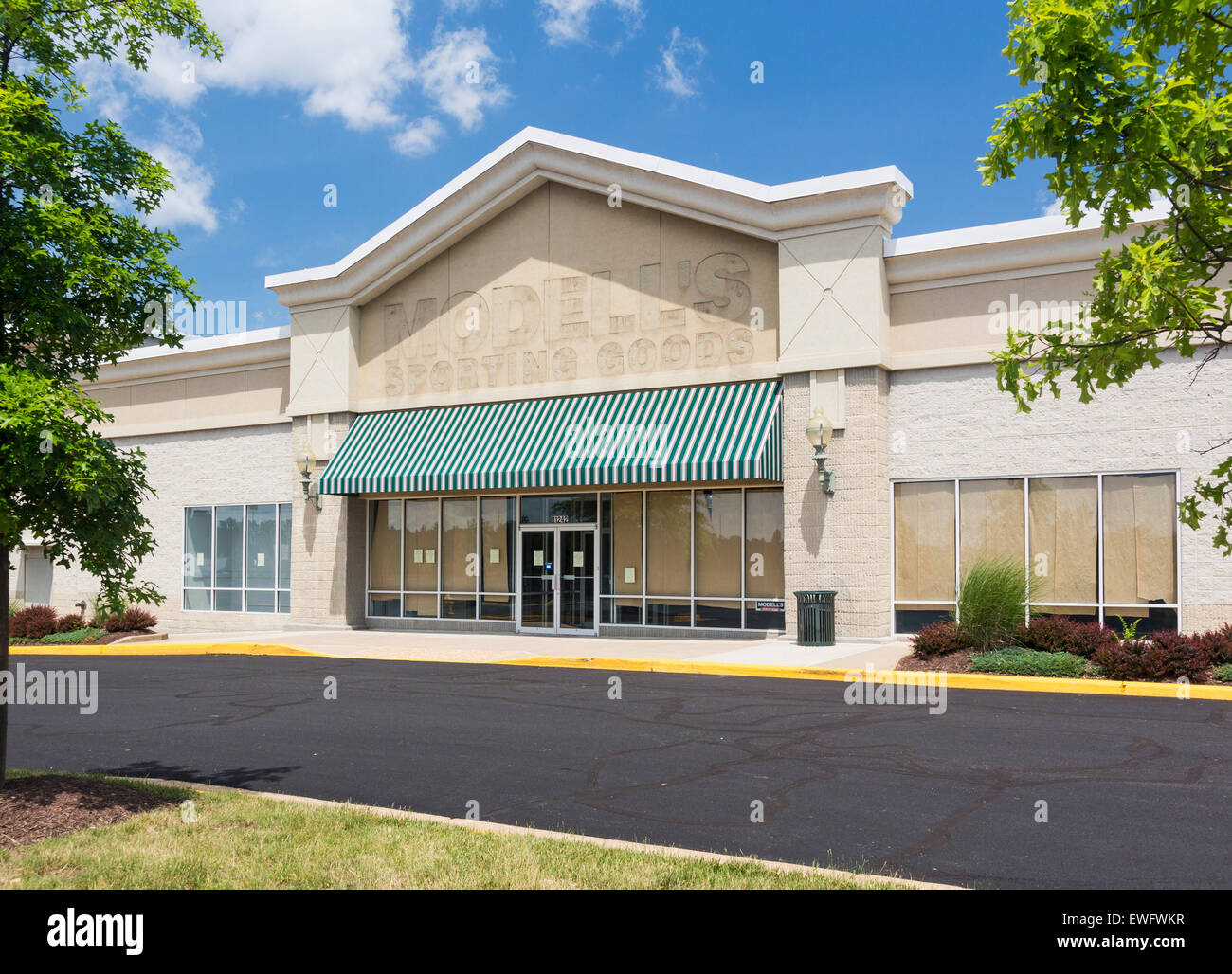 new arrival 1f362 57e56 Modells Stock Photos & Modells Stock Images - Alamy