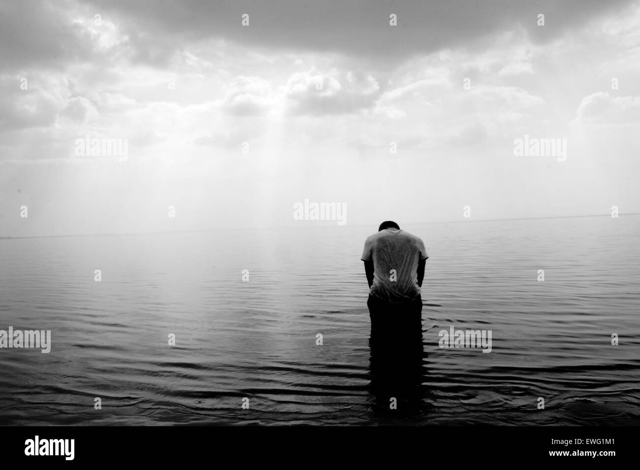 Heads Bowed In Silent Prayer To Fish >> Bowing Your Head Stock Photos Bowing Your Head Stock Images Alamy
