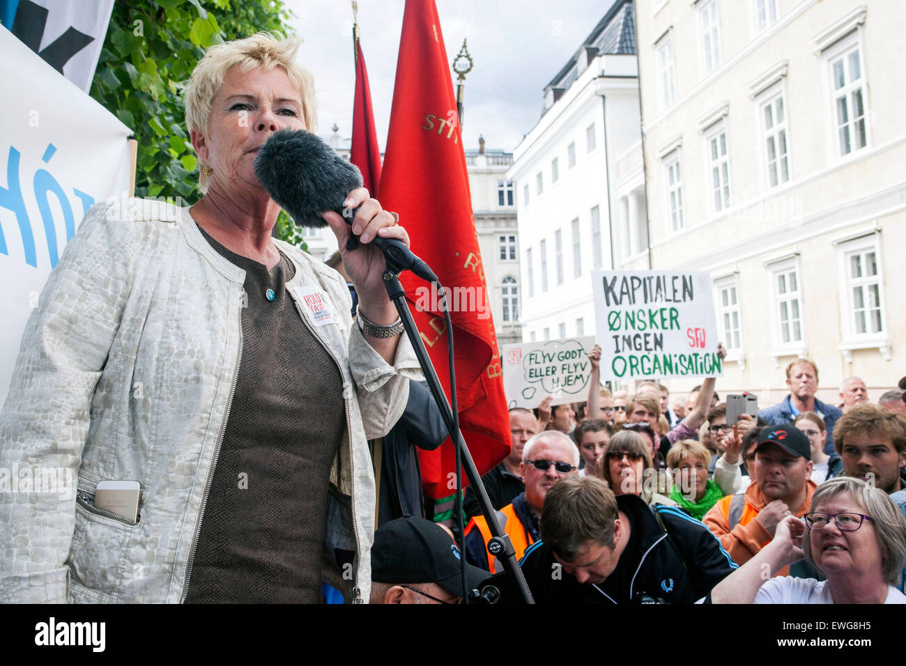 Copenhagen, Denmark, June 15th, 2015: Demonstration in front of the Danish Labour Court, which begins it's final - Stock Image
