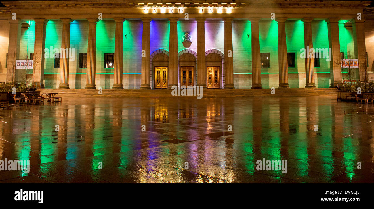 dundee at the golden hour, caird hall lights in the rain - Stock Image