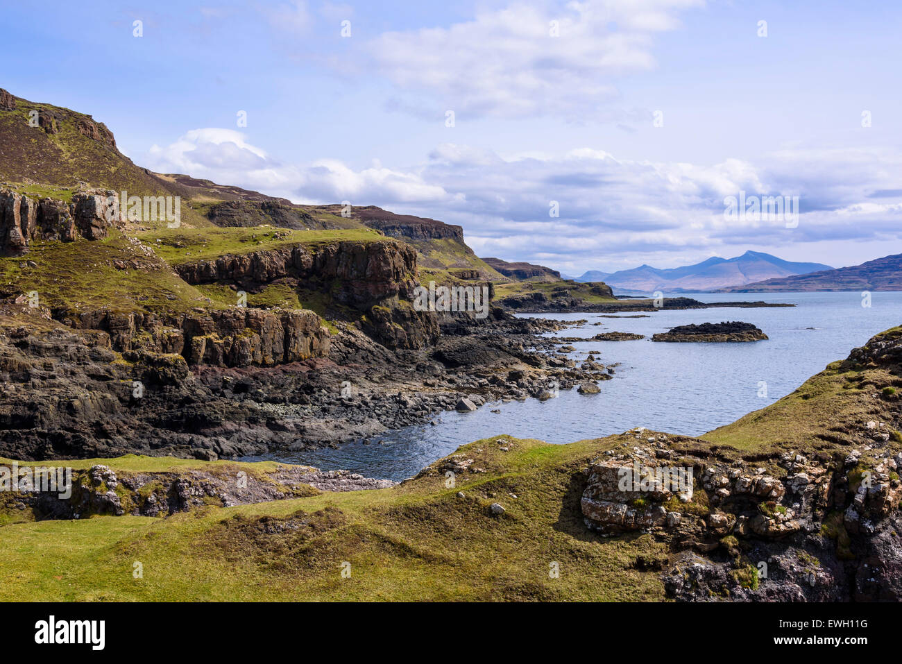 Cliffs around Treshnish Point, Isle of Mull, Hebrides, Argyll and Bute, Scotland - Stock Image