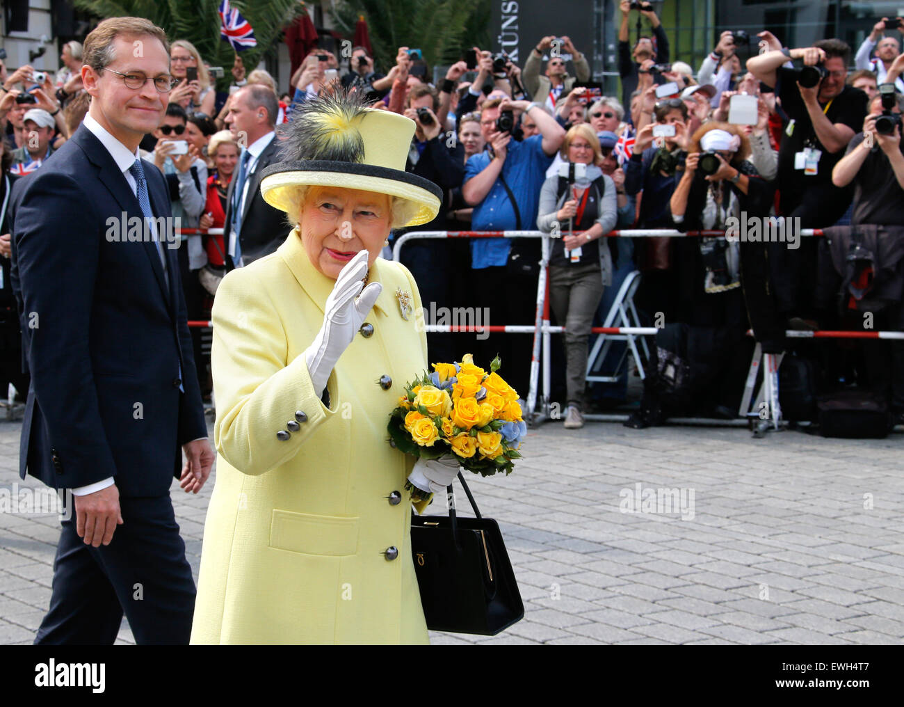 Berlin Germany 26th June 2015 Britains Queen Elizabeth And