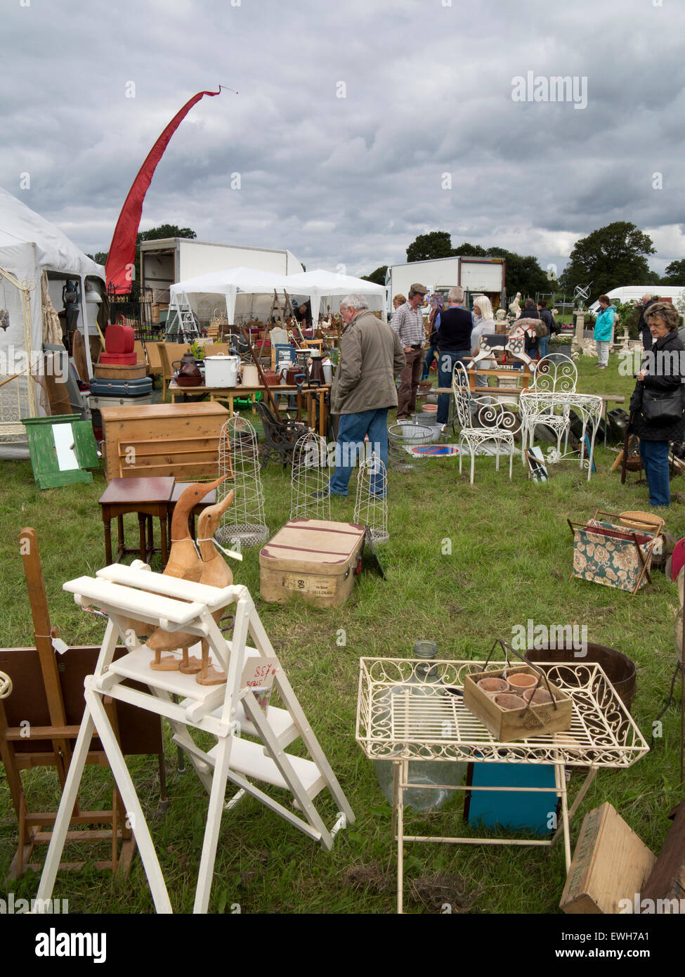 UK, England, Cheshire, Tabley, Cheshire Showground, Decorative Home & Salvage Show, stalls selling antiques - Stock Image