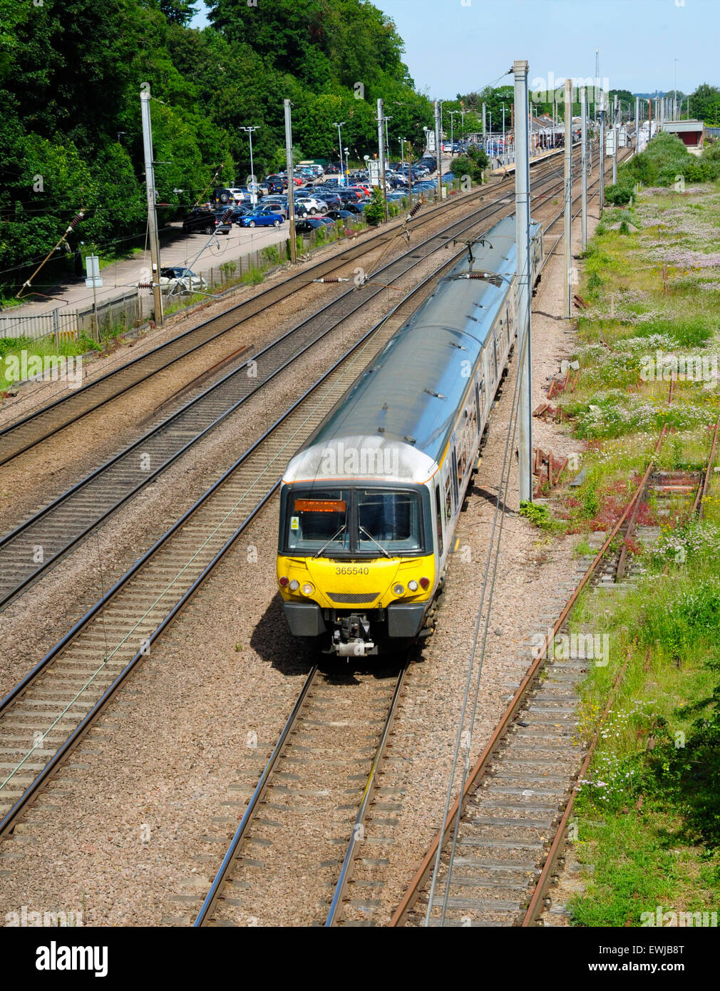 EMU 365540 leaves Hitchin, Hertfordshire with a southbound train to London King's Cross - Stock Image