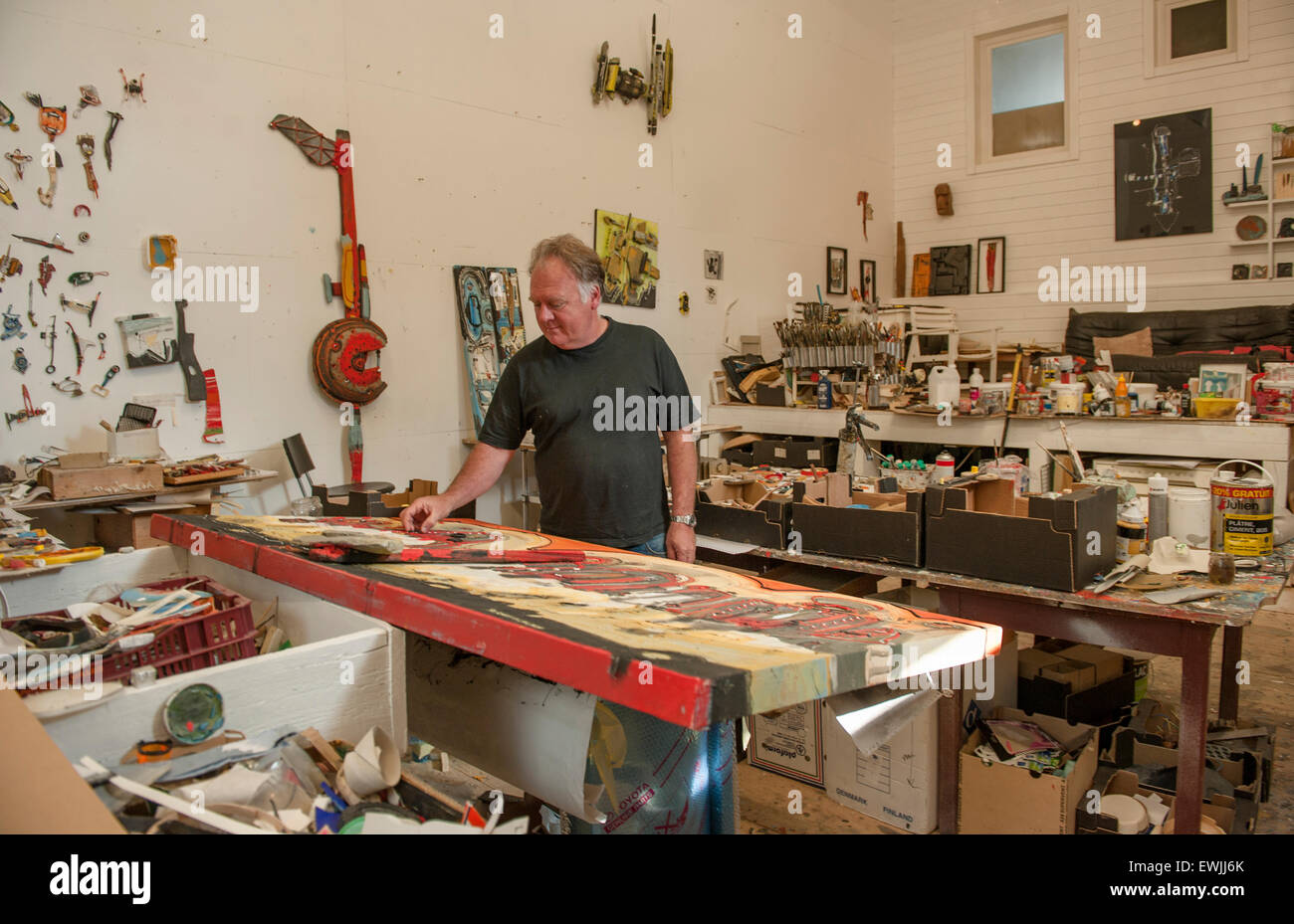 French artist Patrick Chappert-Gaujal in his studio at Leucate-La Franqui, France - Stock Image