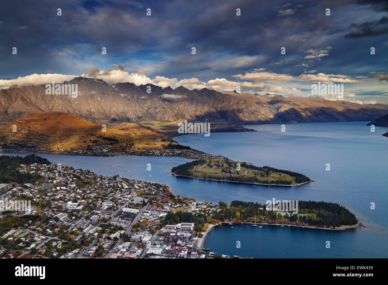 View of Queenstown, Wakatipu Lake and Remarkables Mountains, New Zealand - Stock Image