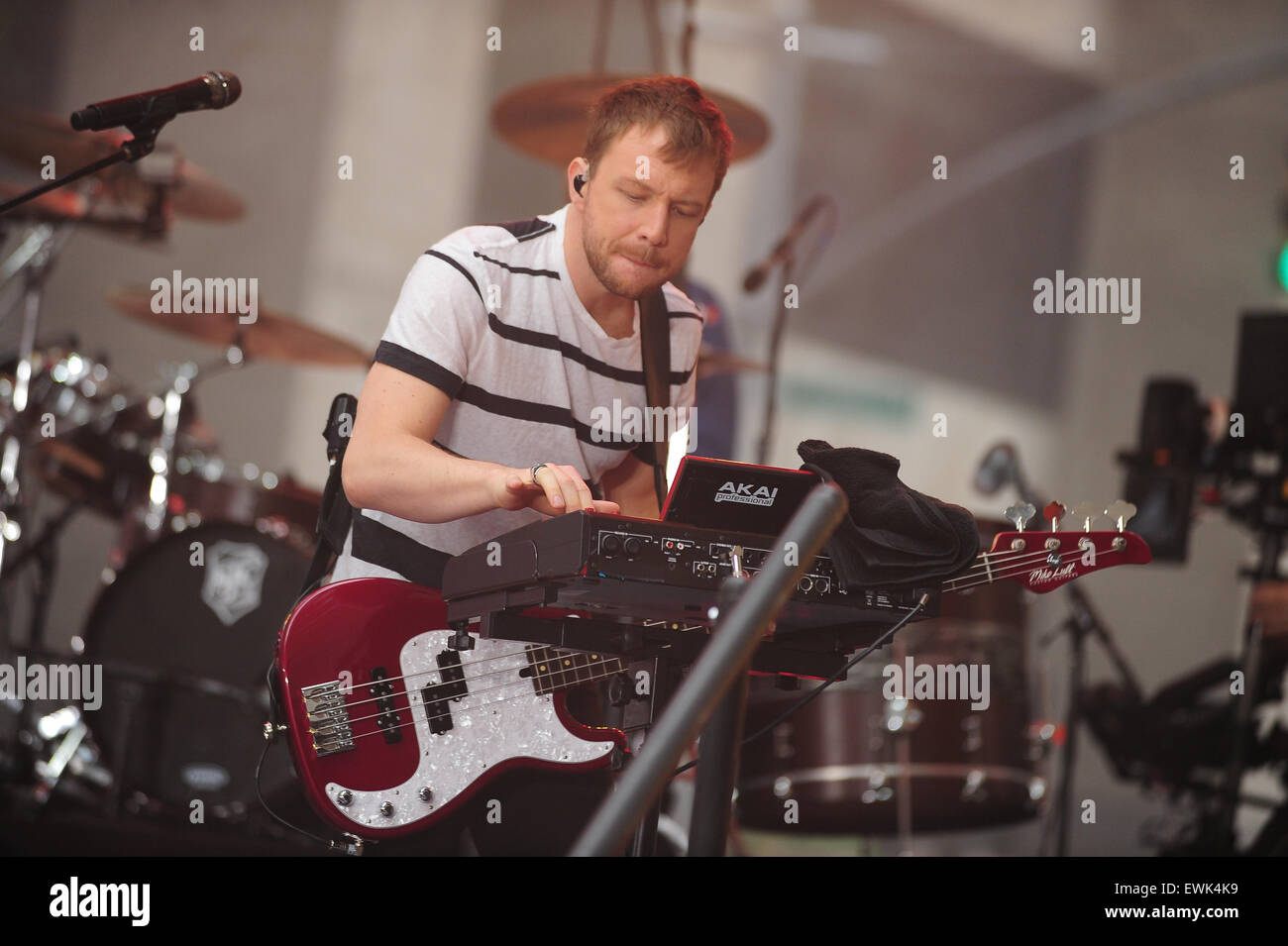 New York, NY. 26th June 2015. American band Imagine Dragons performs 'Radioactive' and 'Demons' - Stock Image