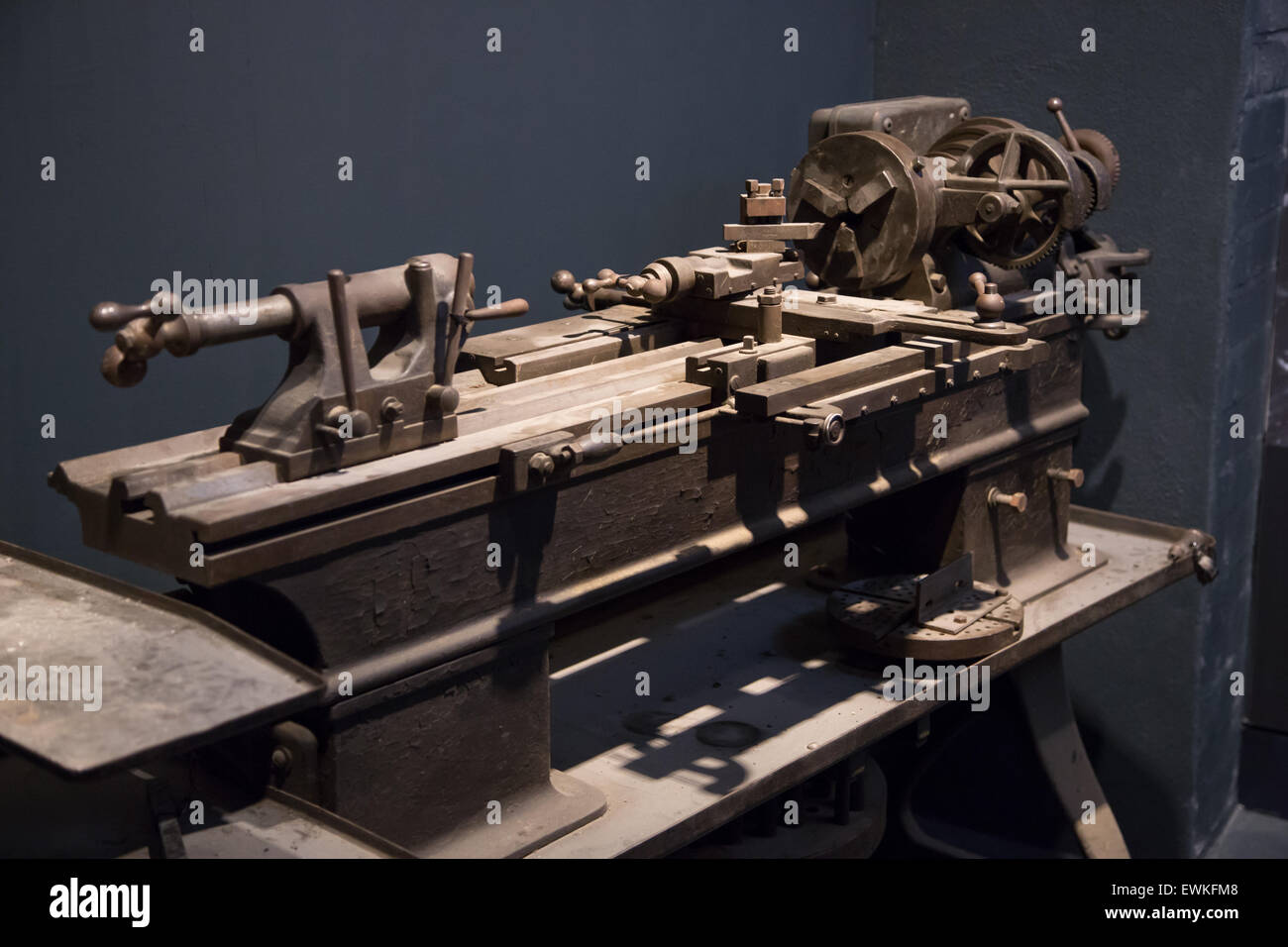 Old vintage lathe on display at Coventry Transport Museum - Stock Image