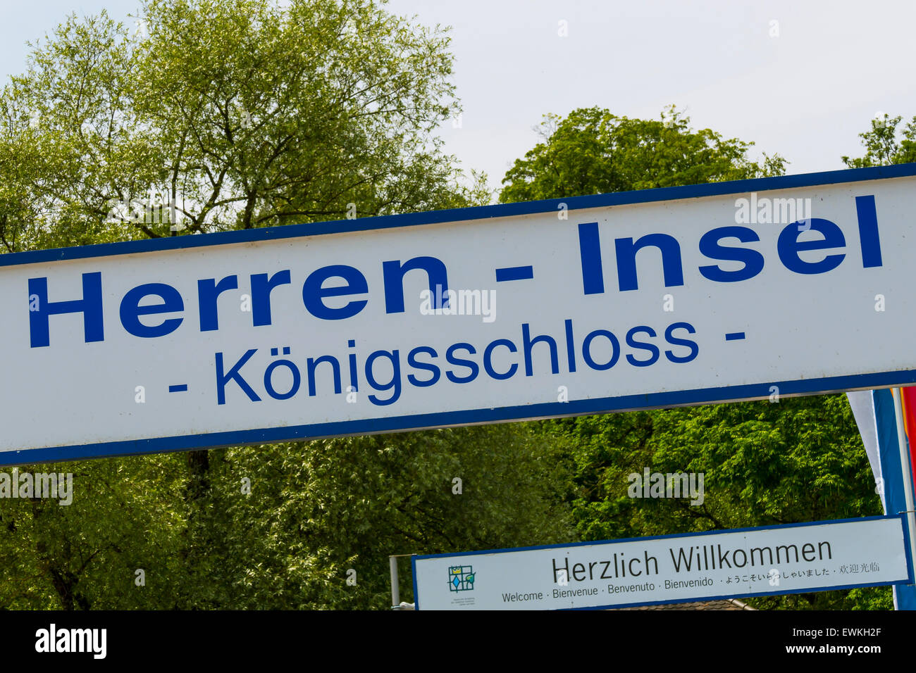 Sign to Schloss Herrenchiemsee on the Herreninsel, Chiemgau, Upper Bavaria, Bavaria, Germany, Europe - Stock Image