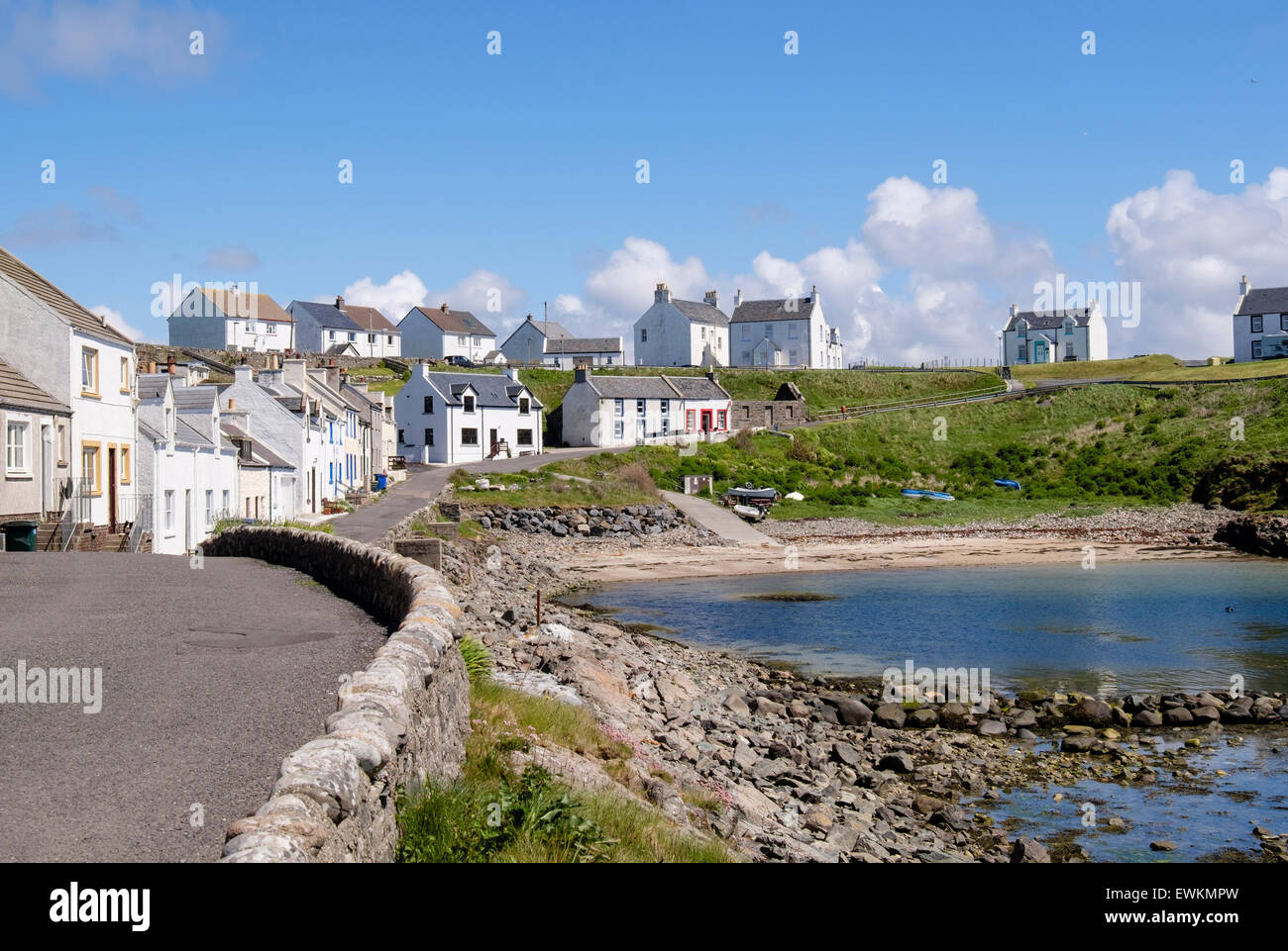 Traditional cottages around the harbour in village of Portnahaven, Isle of Islay, Argyll and Bute, Inner Hebrides, - Stock Image