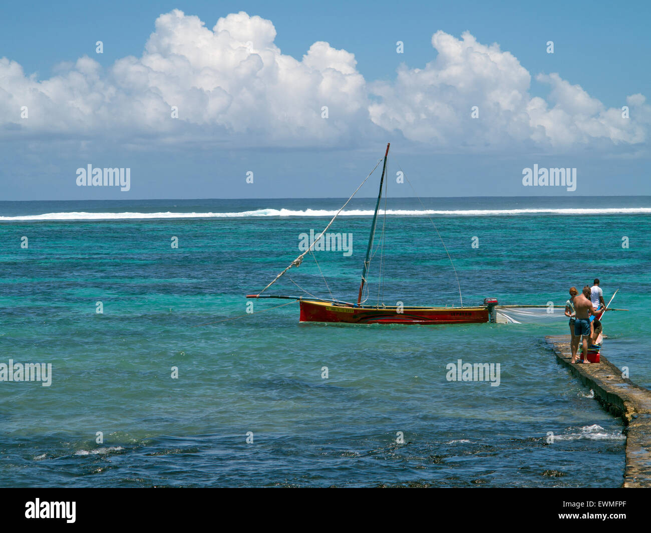 barriere de corail Blue Bay ile Maurice indian ocean Stock Photo ...