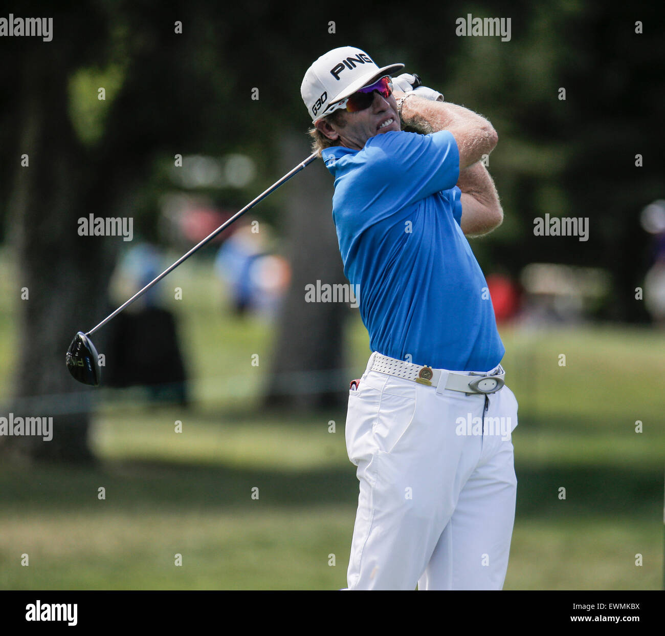 Sacramento, CA. 28th June, 2015. Grant Waite hit off the fairway 17th hole during U.S Senior Open Championship at - Stock Image