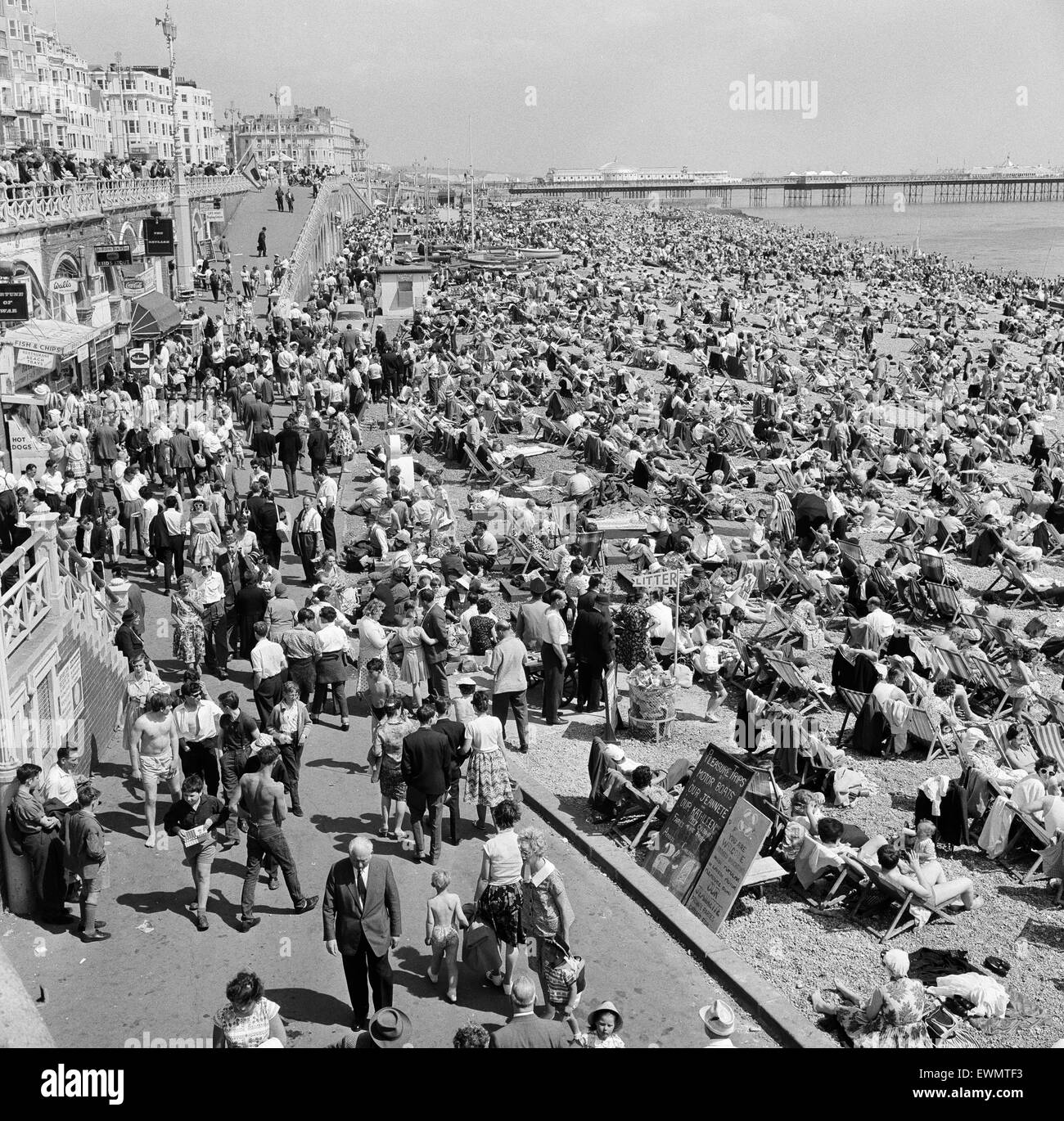 Holiday scenes in Brighton, East Sussex. 10th June 1962. 10th June 1962. - Stock Image