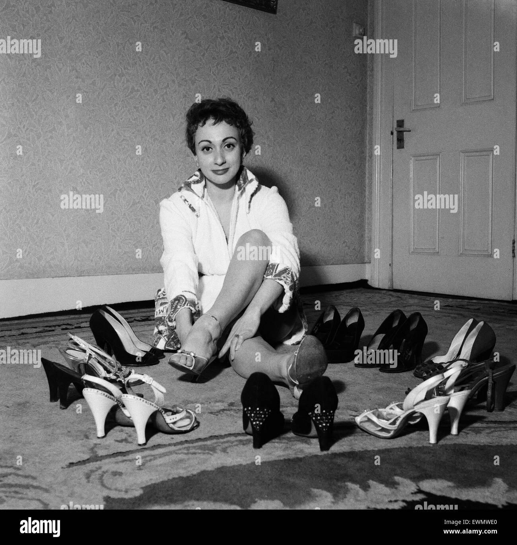 Musician Cherry Wainer. 15th January 1956. - Stock Image