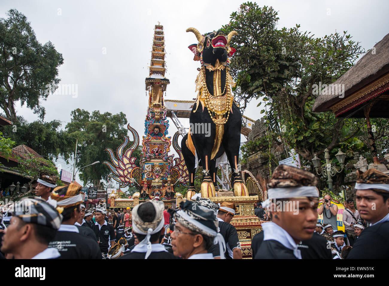Funeral ceremony for Tjokorda Ngurah Wim Sukawati at Ubud, Bali, Indonesia, 14/05/2013. - Stock Image
