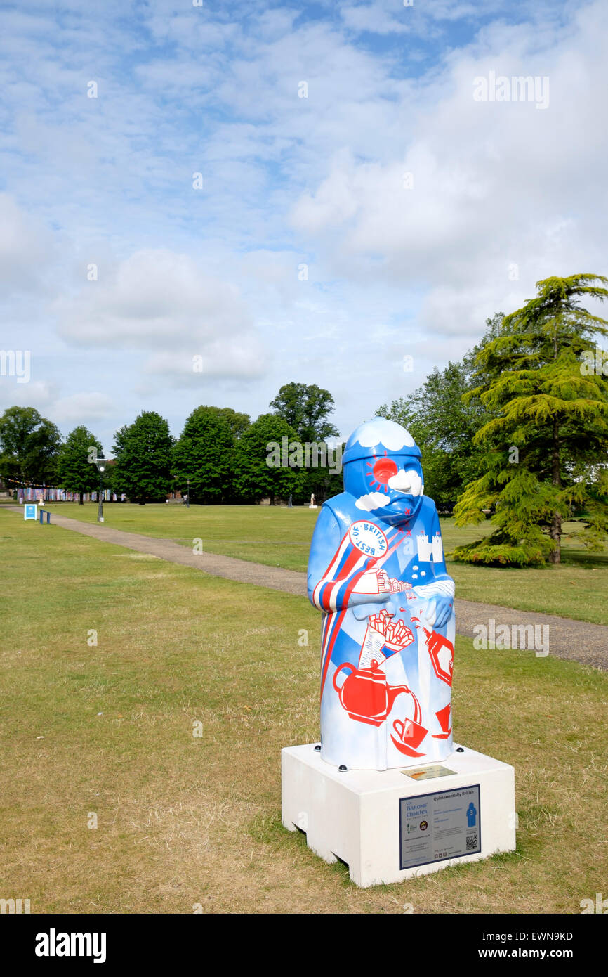 Painted statue in the grounds of Salisbury Cathedral to commemorate the sealing of Magna Carta in 1215 - Stock Image
