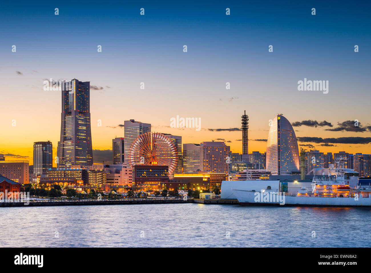 Yokohama, Japan sunset skyline. - Stock Image