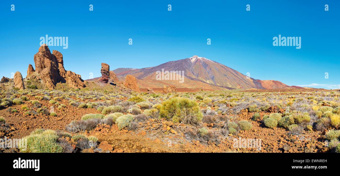 Panoramic landscape view of Mount Teide and Los Roques de Garcia, Teide National Park, Canary Islands, Tenerife, - Stock Image