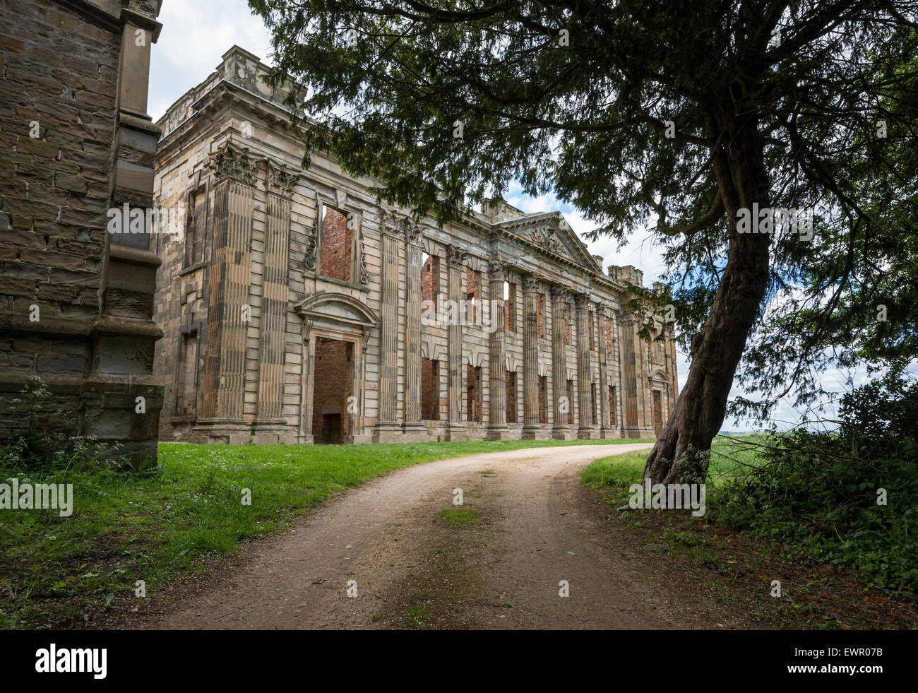Sutton Scarsdale Hall. The ruin of a Stately home near Chesterfield in Derbyshire, England. - Stock Image