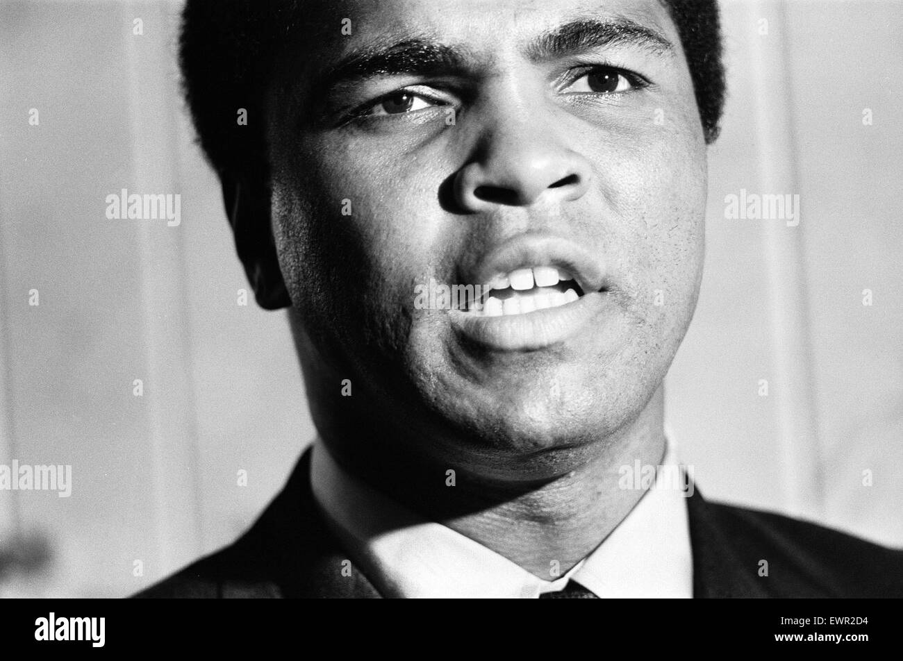 Muhammad Ali at a supermarket in Stretford to promoting the drink Ovaltine. 11th October 1971 - Stock Image