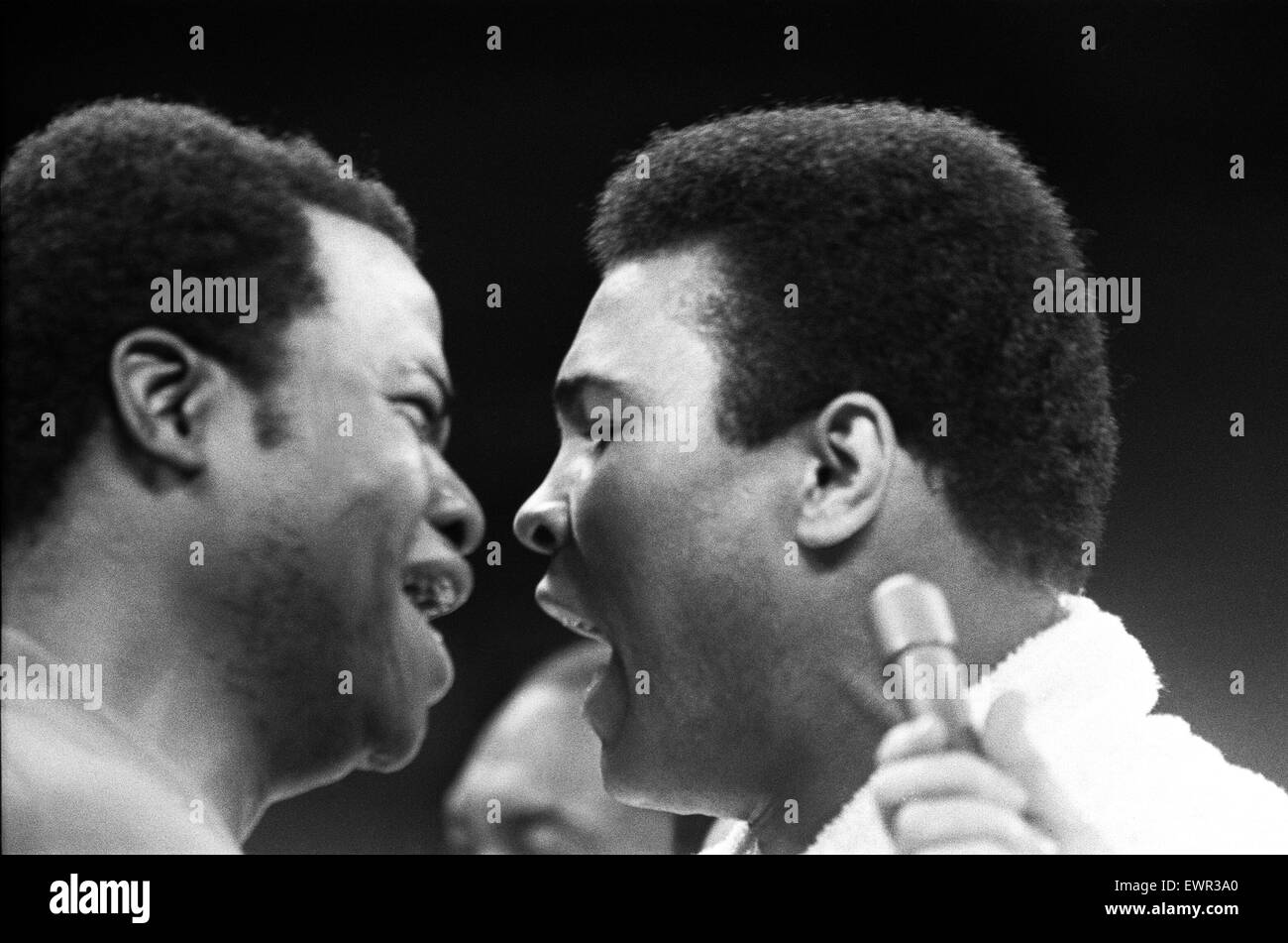 Muhammad Ali with trainer Drew bandhani (left) in his training camp ahead of his first fight with Joe Frazier. 1st - Stock Image