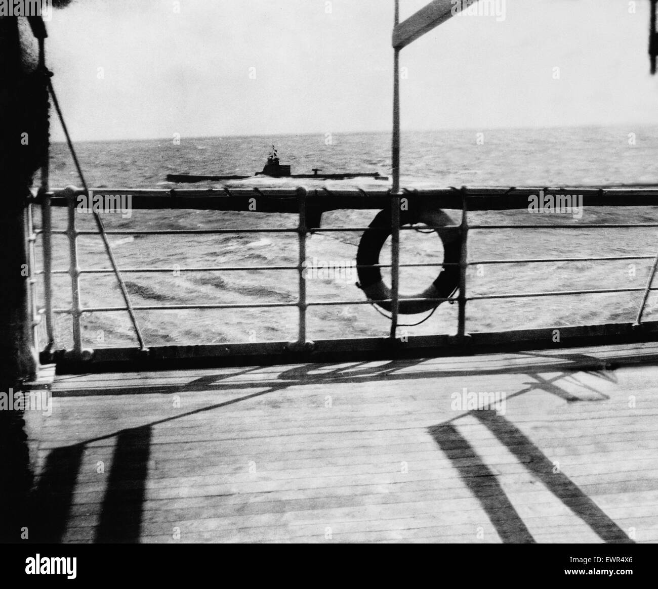 Sinking of the ship Falaba. DM 3141c Box 5 March 28th 1915. The sinking of the 'Falaba'. Lurking menacingly - Stock Image