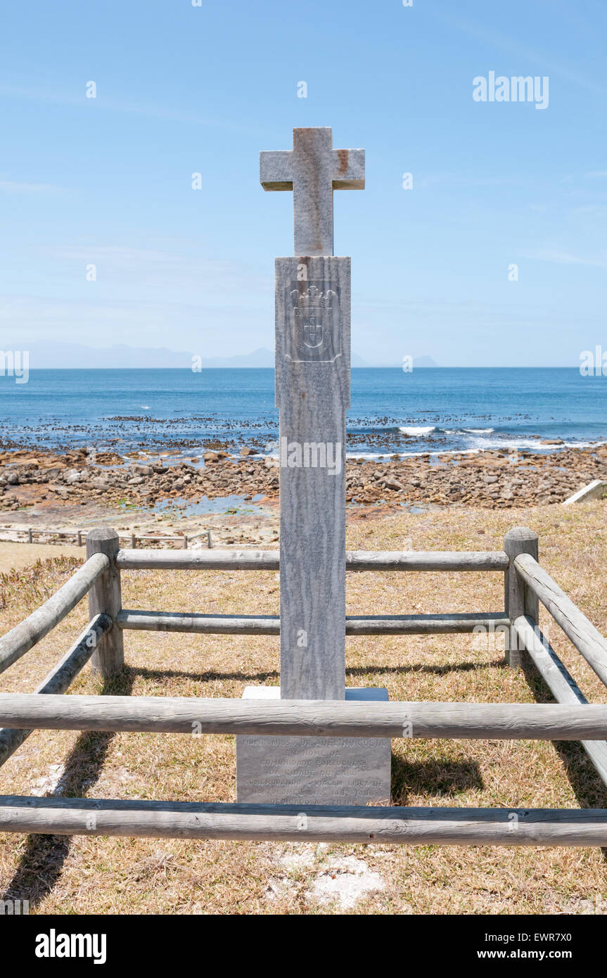 Cross at Bordjiesrif near Cape Point commemorating the voyages of Bartolomeu Dias around Cape Point in 1487-1488 - Stock Image