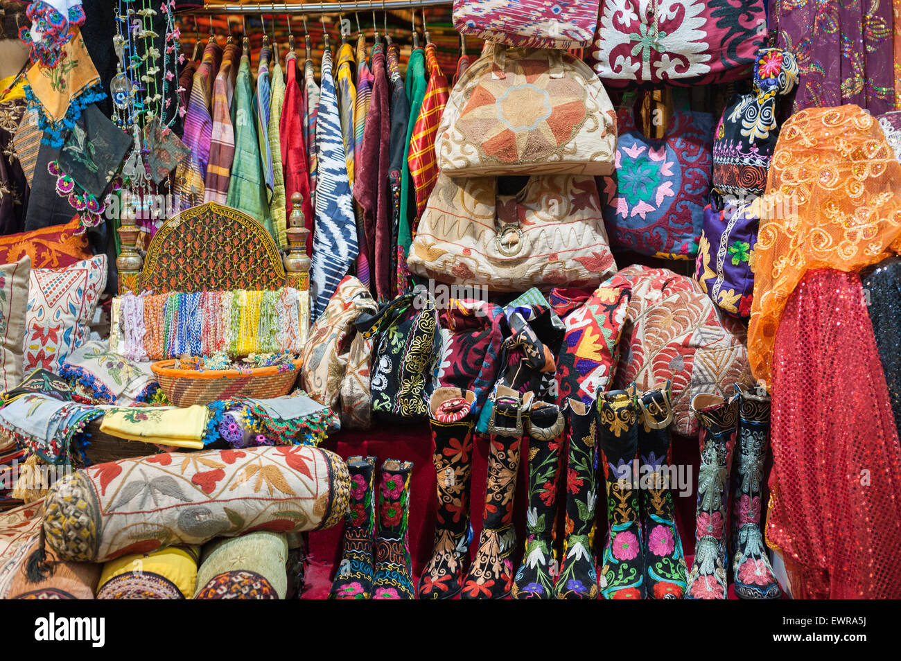 Textiles In the Grand Bazzar Istanbul - Stock Image