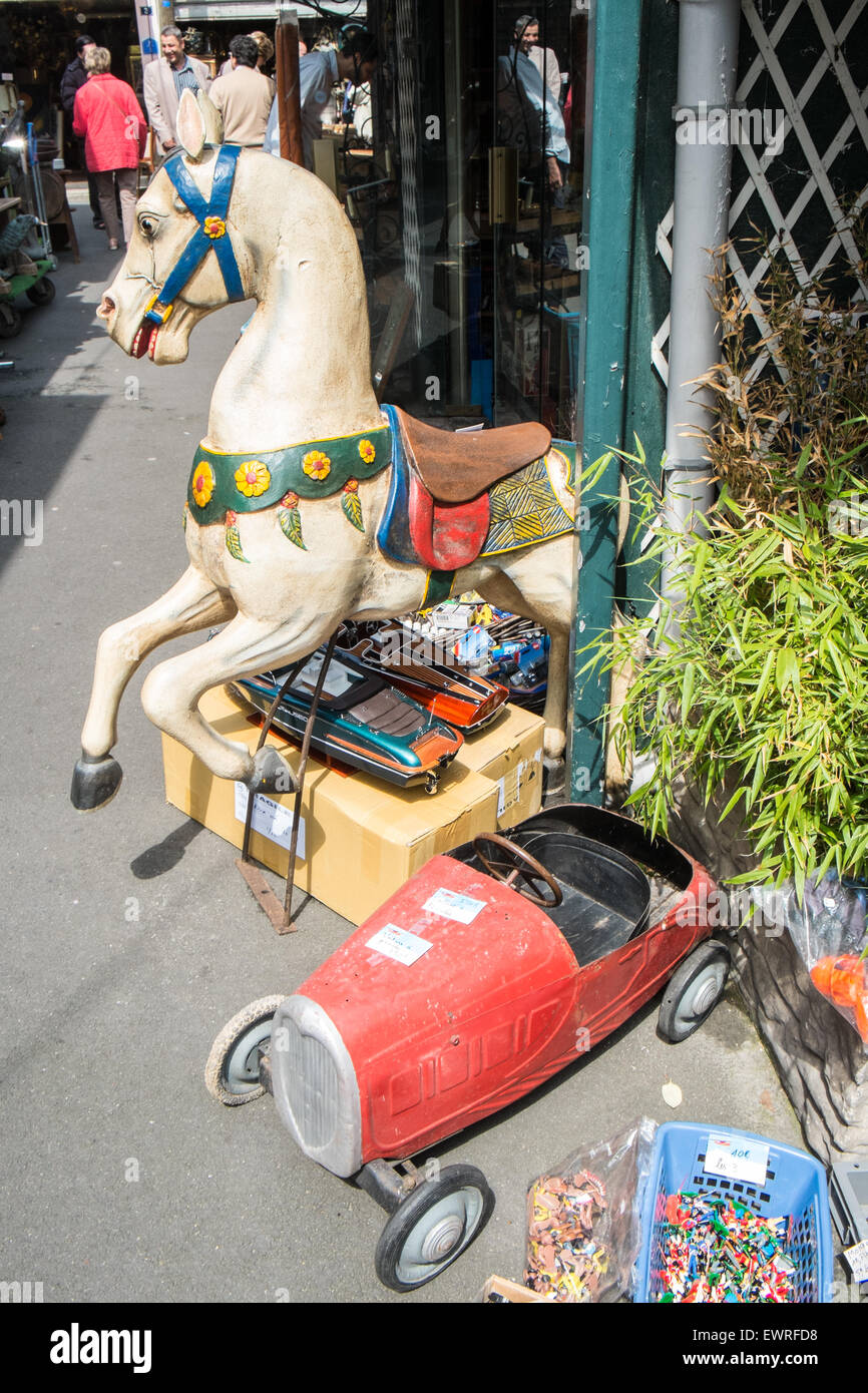 Secondhand used recycling vintage,retro, old,toy,toys,goods at flea market,St.-Ouen de, Clignancourt, Paris,France.Old - Stock Image