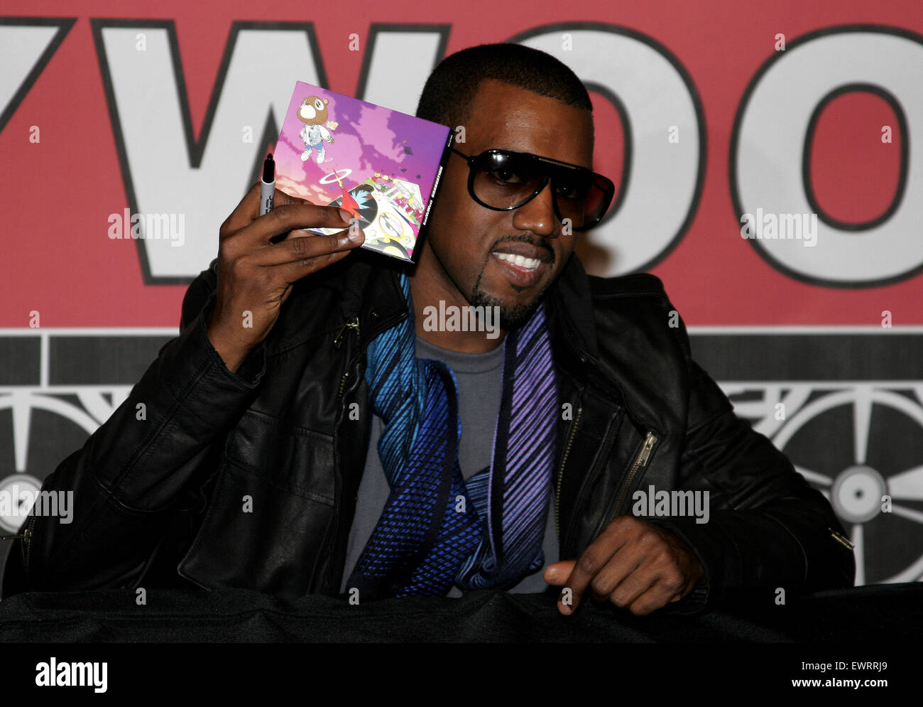 Kanye West attends the in-store signing of his new release 'Graduation' - Stock Image