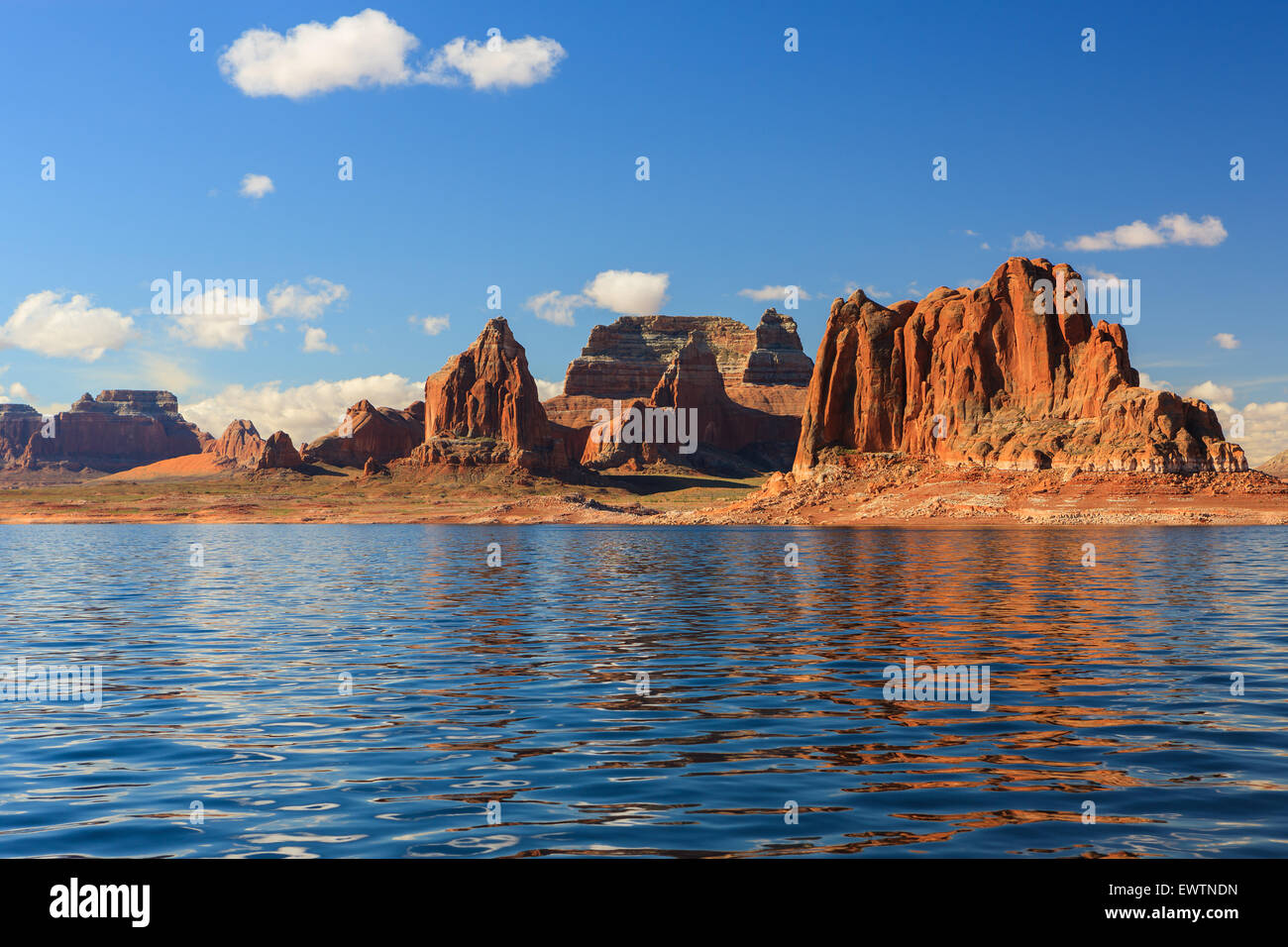 Canyon walls on Lake Powell on the border of Arizona and Utah, USA - Stock Image