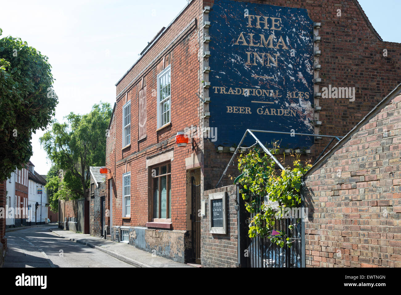 The Alma Inn, King's Head Street, Harwich, Essex, England, United Kingdom - Stock Image