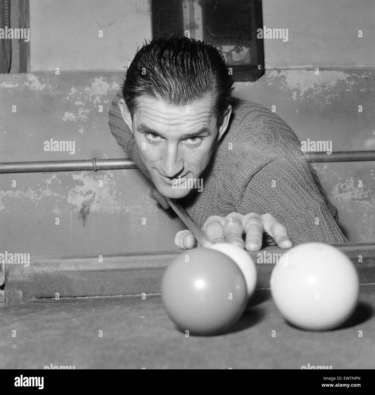 Reading FC 1959/60. Football Players. 11th November 1959. Playing Snooker. ID To Be Confirmed. - Stock Image
