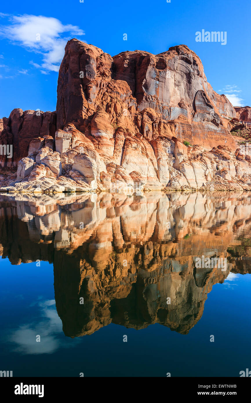 Canyon walls on Lake Powell on the border of Arizona and Utah, USA - Stock Image